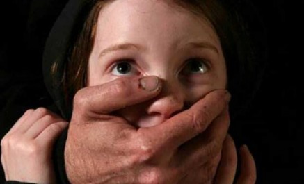 Malaisie: un homme viole sa fille et risque 12.000 ans de prison !