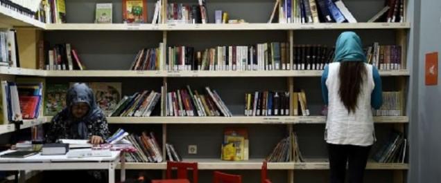 En Grèce, des bibliothèques pour étancher la soif de lecture des réfugiés