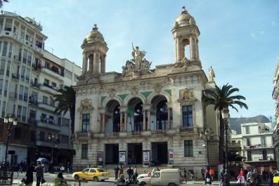 Hommage: La salle des répétitions du Théâtre d'Oran sera baptisée Sirat Boumediène