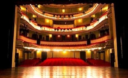La salle de répétitions du Théâtre d'Oran sera baptisée «Sirat Boumediene»