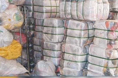Tébessa: Saisie de 15 433 unités d'habillement entre Cheria et Bir El-Ater