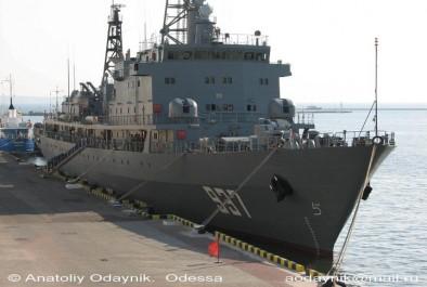 Algérie: Le navire-école «Soummam 937» accoste au port d'Alger (MDN)