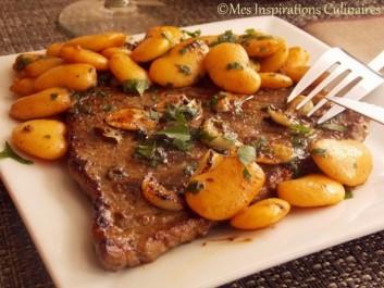 Steak à l'ail, haricots blancs sautées