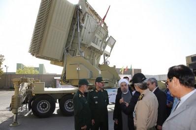 Tout en montrant une base de drones: L'Iran teste un nouveau système antimissiles