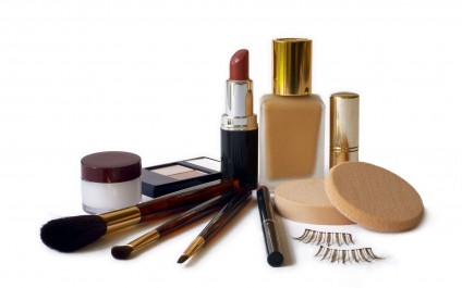 Cosmetiques :  Dépassée la date d'utilisation, quels sont les risques ?