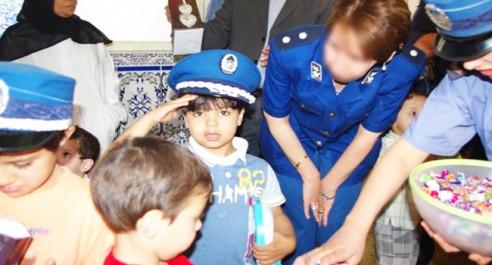 Mascara : La police rend visite aux enfants malades