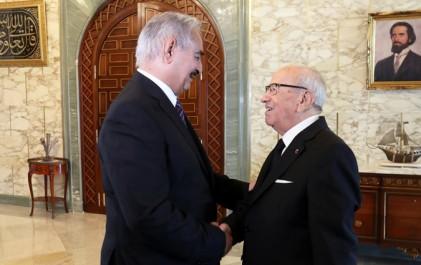 Tunisie/Libye : Le maréchal Khalifa Haftar reçu par Béji Caïd Essebsi