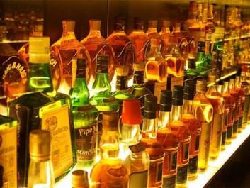 Bouira: Saisie de 5.500 bouteilles et canettes de boissons alcoolisées