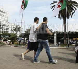 Jeunesse algérienne:  Le refus de s'engager et l'envie de partir