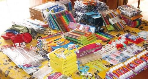 Annaba:  L'académie de la société civile fait don de 330 trousseaux scolaires