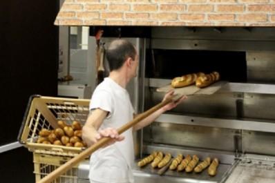 Annaba – Arnaque dans la vente de la farine: Les boulangers demandent une commission d'enquête