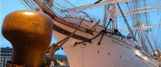 Jijel – Il a accosté le port de Boudis: Un voilier battant pavillon hollandais secouru