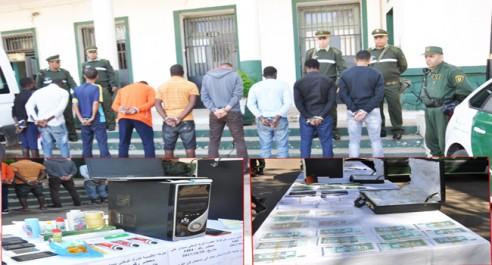 Démantèlement d'un réseau de faussaires à Mostaganem : 3 Algériens et 6 étrangers arrêtés