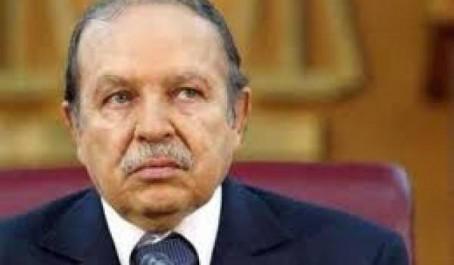 Le président Bouteflika félicite son homologue allemand pour la fête nationale de son pays