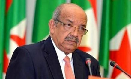 Messahel remet un message du Président Bouteflika au Président tchadien