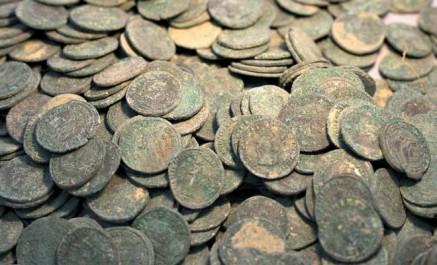 El Tarf : saisie de 550 pièces de monnaies archéologiques