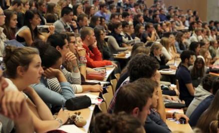 25 000 étudiants algériens inscrits dans les université françaises.