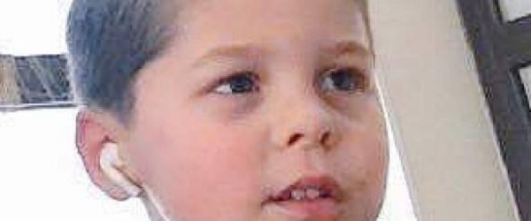 Rhani, 8 ans, recherché par sa mère, Jennifer Prinz, et la police algérienne